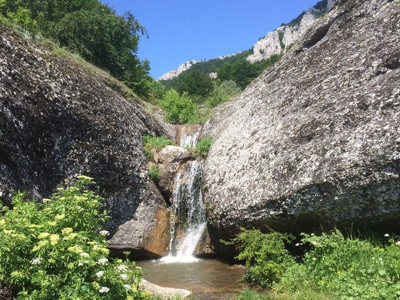 Затерянный мир у водопада Джурла - экскурсия в Алуште