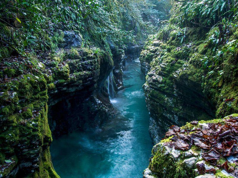 Путешествие в каньон Мартвили и пещеру Прометея - экскурсия в Батуми