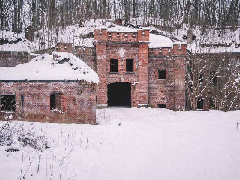 Исследуем заброшенный форт! - экскурсия в Калининграде