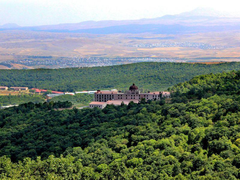 Живописная Армения: поездка вДилижан иЦахкадзор - экскурсия в Ереване