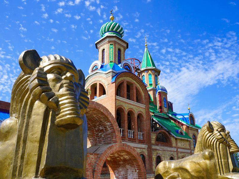 Два в одном: Раифский монастырь и Храм всех религий - экскурсия в Казани