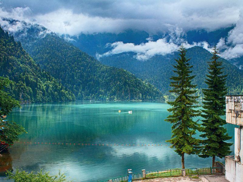 Чары Абхазии: Гагра и озеро Рица - экскурсия в Адлере