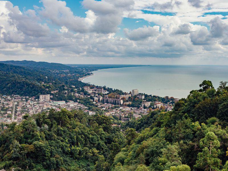ИзСочи— всердце Абхазии, древний Сухум - экскурсия в Адлере