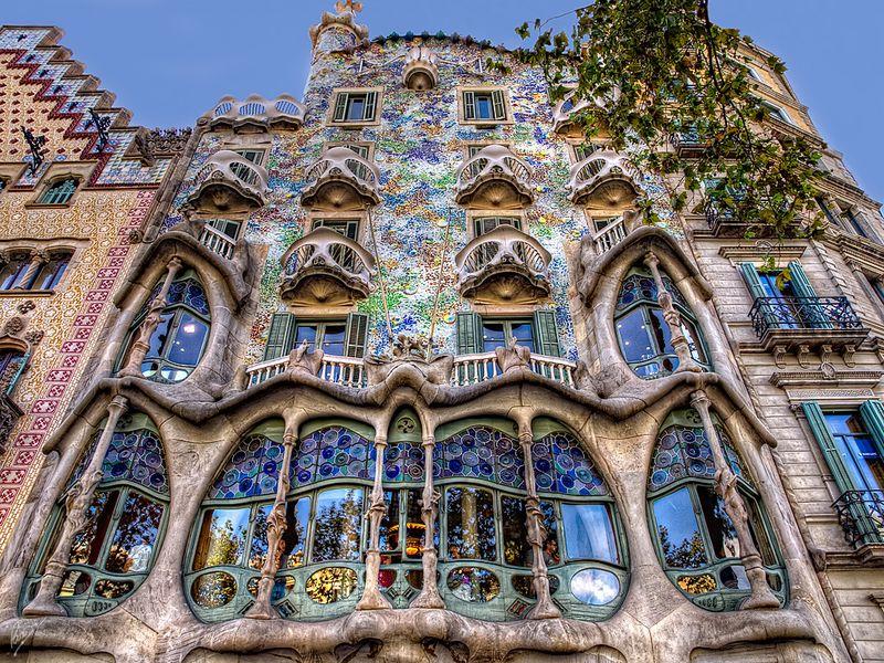 Понять творения Гауди - экскурсия в Барселоне