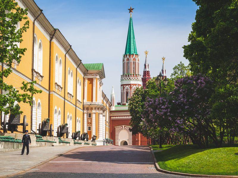 Московский Кремль снаружи и внутри - экскурсия в Москве