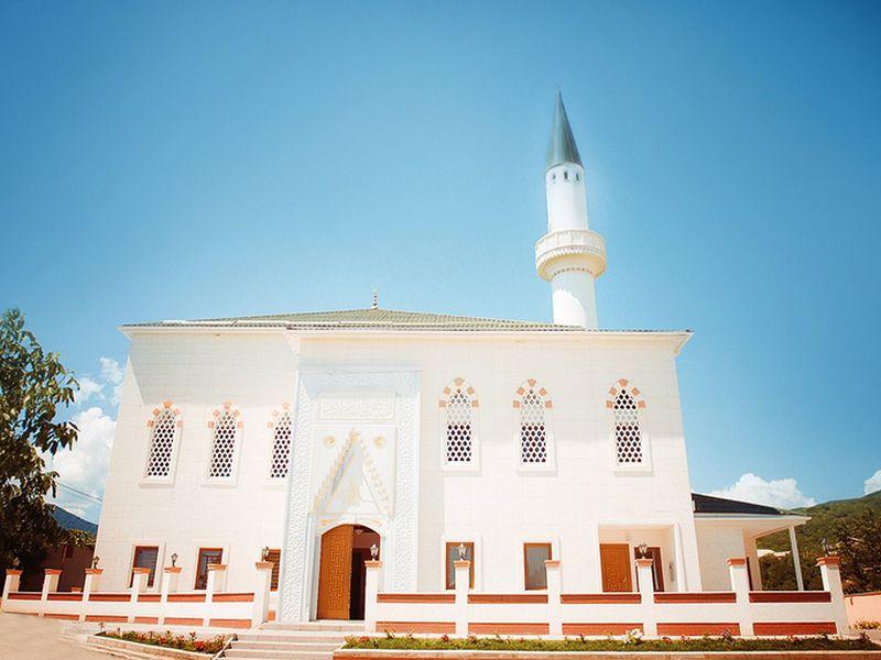 Многоликая Алушта - экскурсия в Алуште