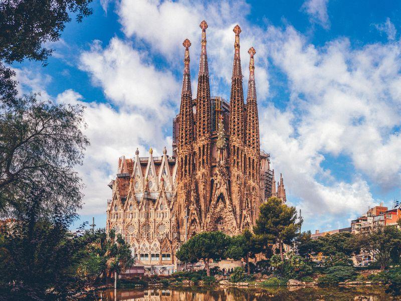 Многоликая Барселона: погороду наэлектросамокате - экскурсия в Барселоне