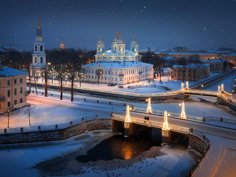 По новогоднему Петербургу на автомобиле - экскурсия в Санкт-Петербурге