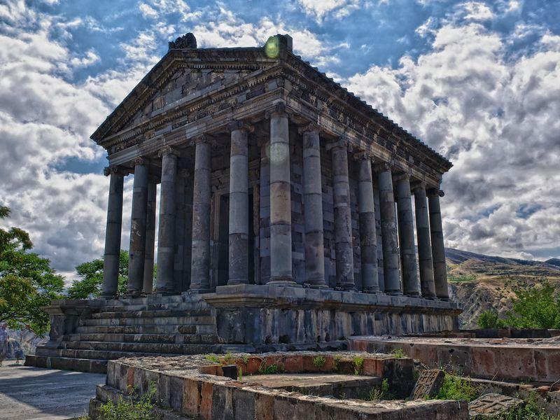Армения от языческих храмов до снежных хребтов - экскурсия в Ереване