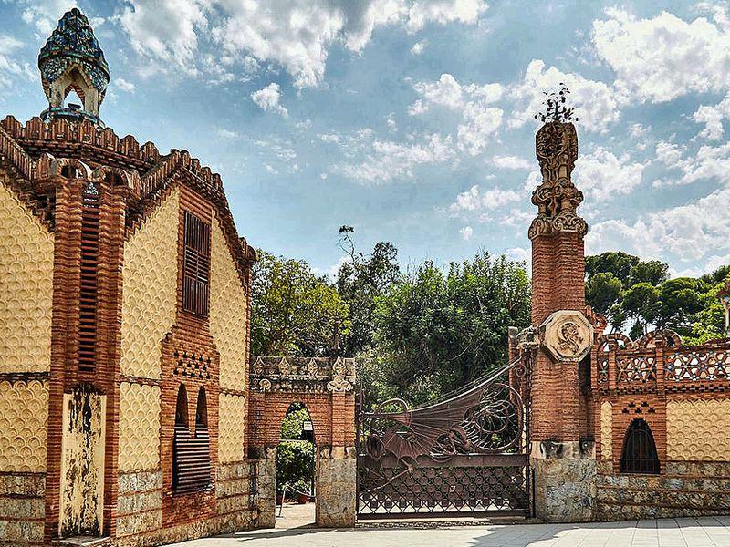 Неизвестный Гауди и гора Тибидабо - экскурсия в Барселоне