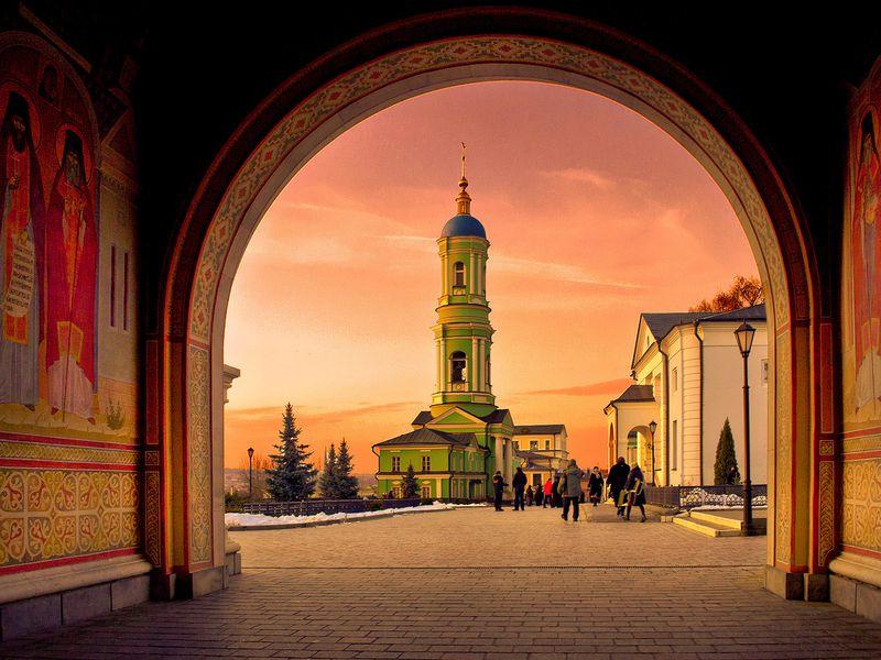 Культовые святыни Калужской области - экскурсия в Москве