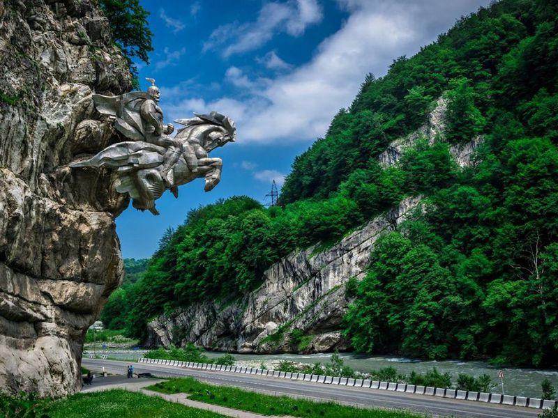 Все великолепие Горной Осетии за один день! - экскурсия в Владикавказе