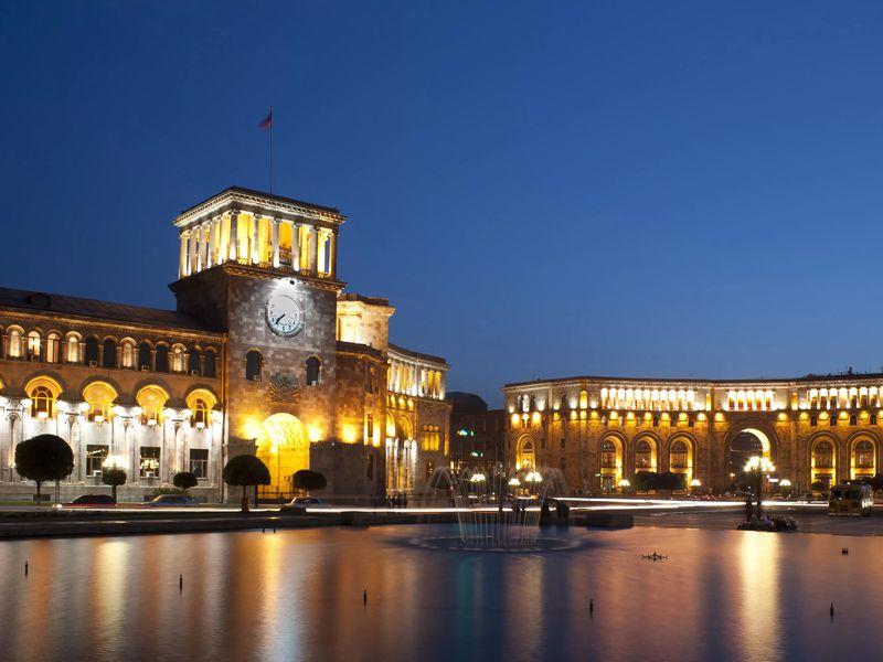 Кто правит бал в Армении? Правительственные объекты Еревана - экскурсия в Ереване