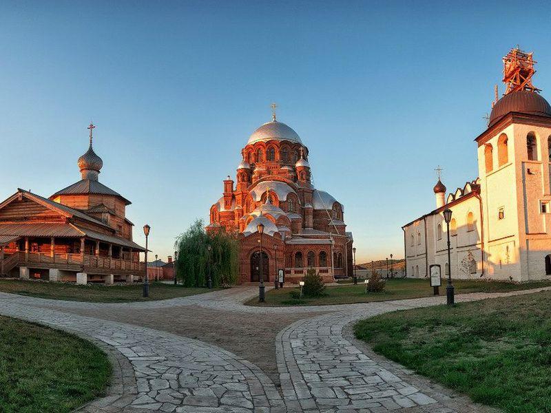 В сказочный Свияжск с историком - экскурсия в Казани