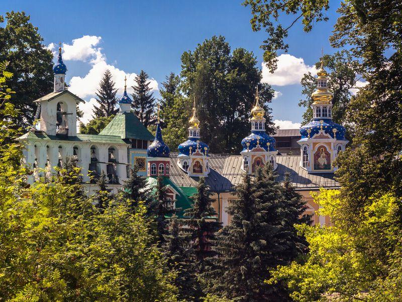 Псково-Печерский монастырь иИзборско-Мальская долина - экскурсия в Пскове