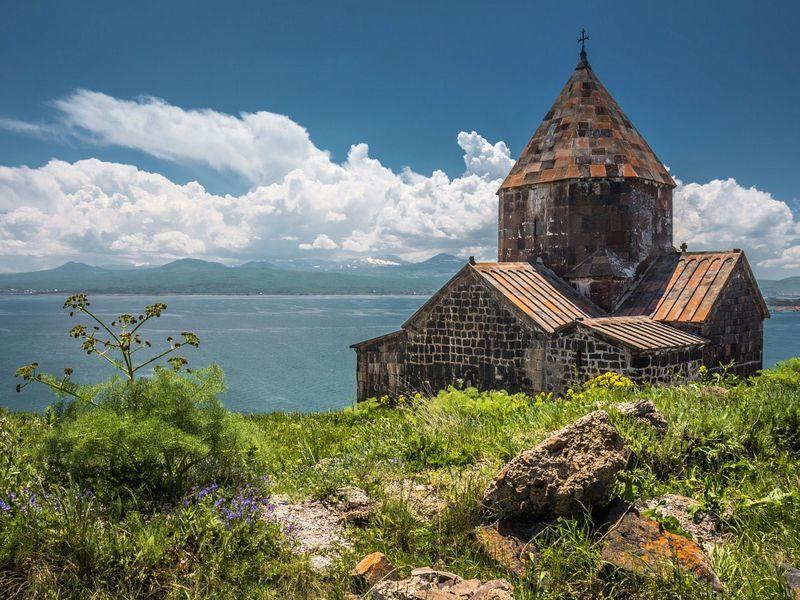 Лазурный Севан изеленый Дилижан - экскурсия в Ереване