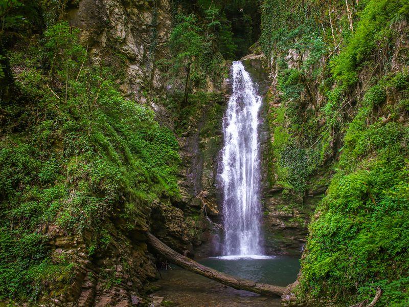 Фотопоход к Ажекским водопадам - экскурсия в Сочи