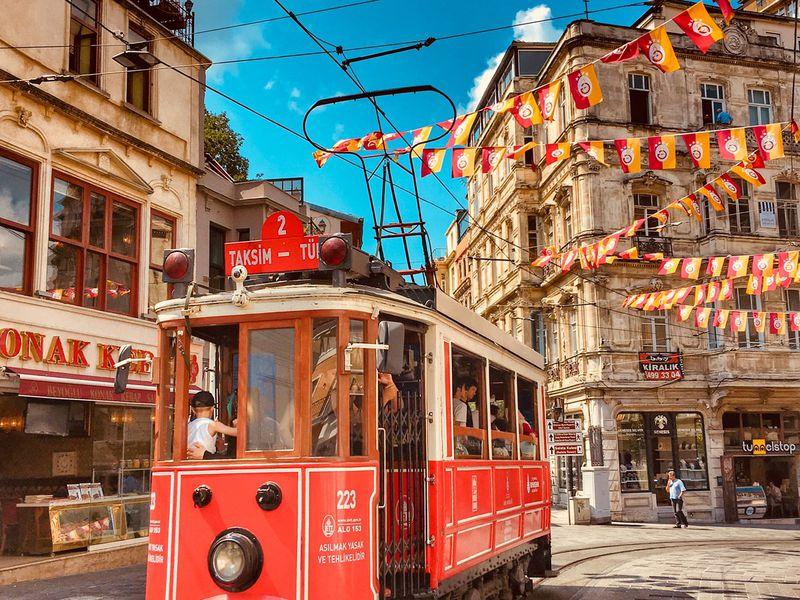Истикляль — часть русской и турецкой истории - экскурсия в Стамбуле