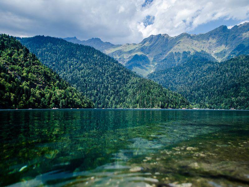 Путешествие на озеро Рица - экскурсия в Сочи