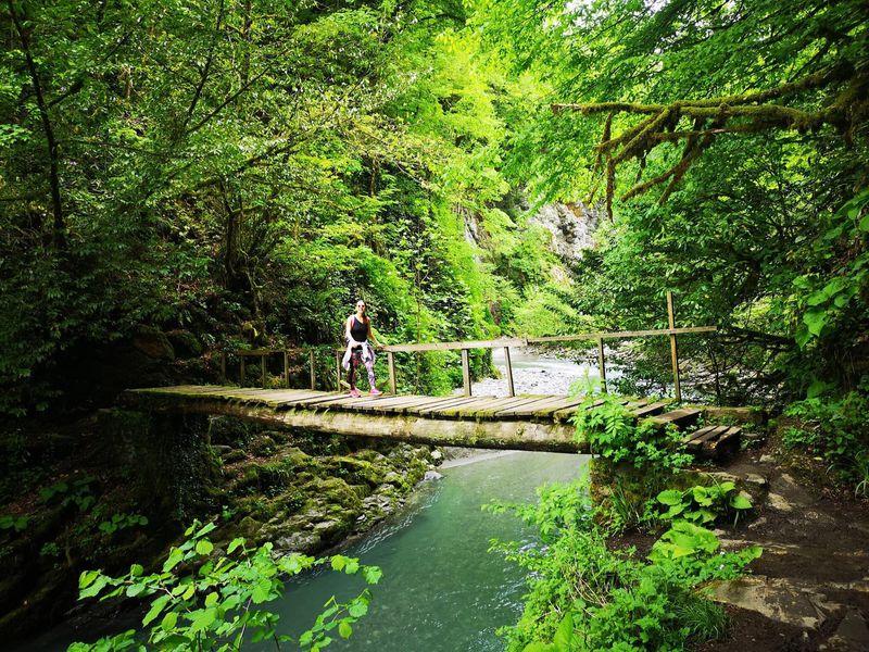 Треккинг ктрем водопадам - экскурсия в Сочи