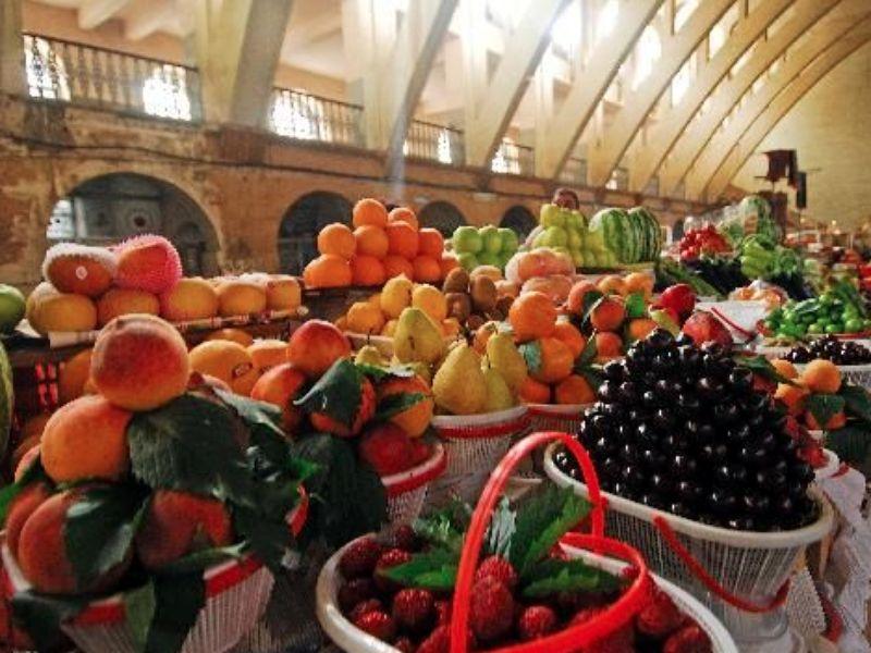 Лучший способ узнать армянскую кухню - экскурсия в Ереване