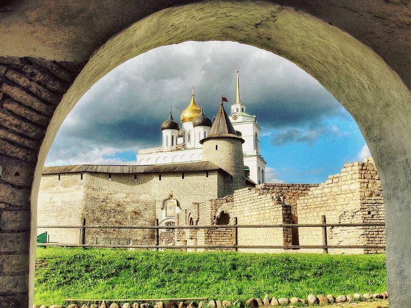Псков влицах, сюжетах илегендах - экскурсия в Пскове
