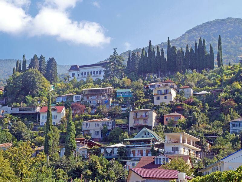 Всердце Абхазии: озеро Рица иНовый Афон - экскурсия в Красной Поляне