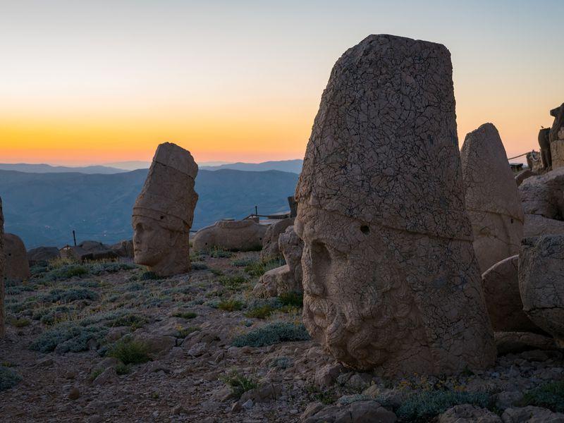 Гора богов Немрут-Даг и город пророков Шанлыурфа - экскурсия в Белеке