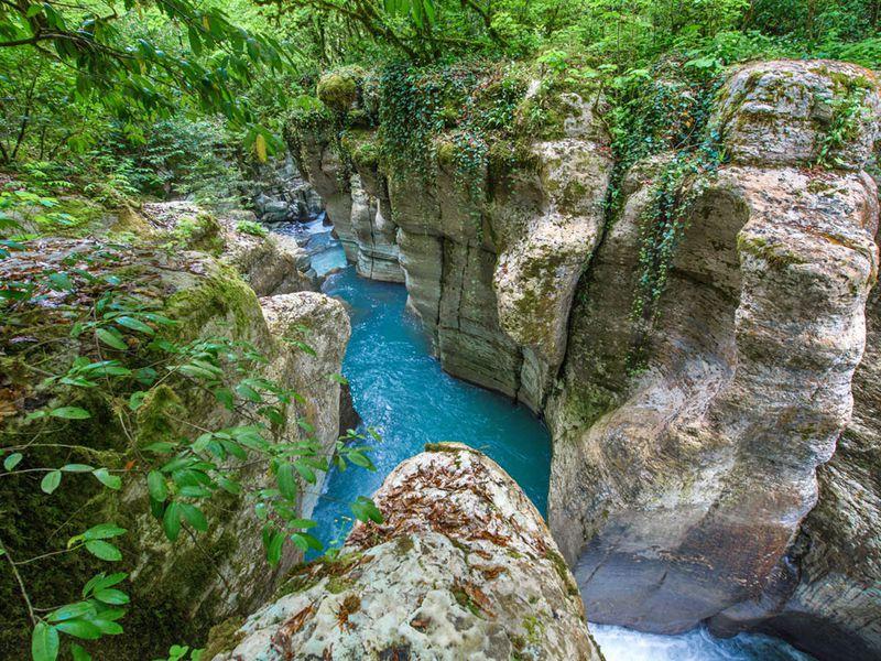 Джип-тур посказочным каньонам Сочи - экскурсия в Сочи