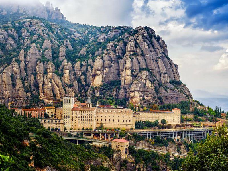 Монтсеррат— вгоры кглавной покровительнице Каталонии - экскурсия в Барселоне