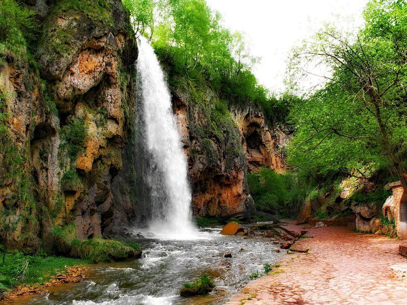 ИзКисловодска— к«водопадам, что пахнут медом»! - экскурсия в Кисловодске