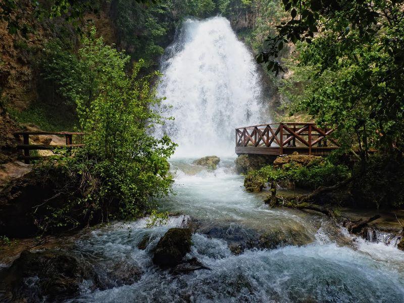 Монастырь Манасия, Ресавская пещера, водопад Великий Бук - экскурсия в Белграде