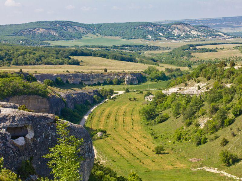 Джип-тур к пещерным городам и монастырям - экскурсия в Севастополе