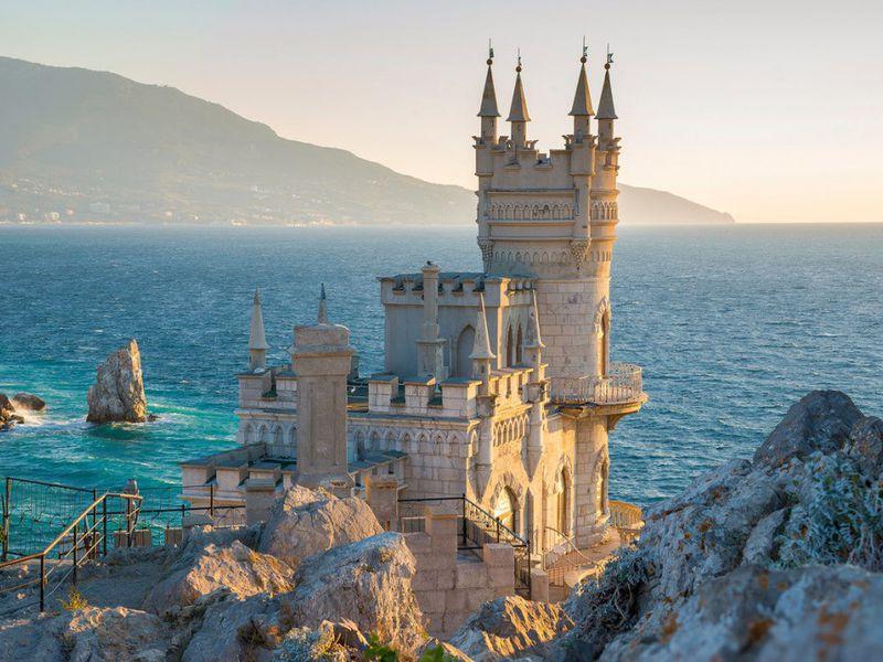 Дворцы Ялты и морская прогулка - экскурсия в Севастополе
