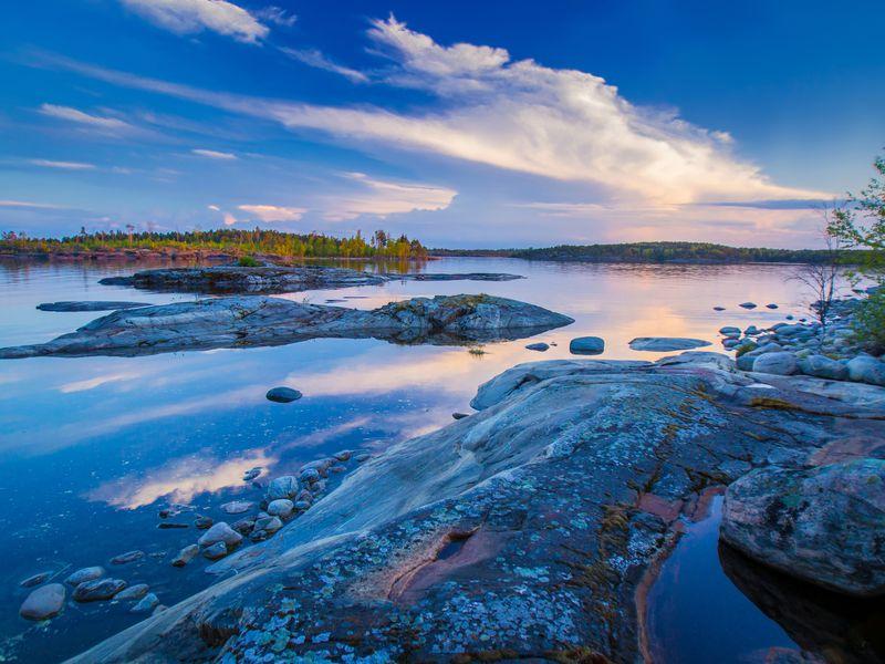 Ладожские шхеры и 8 водопадов Карелии - экскурсия в Санкт-Петербурге