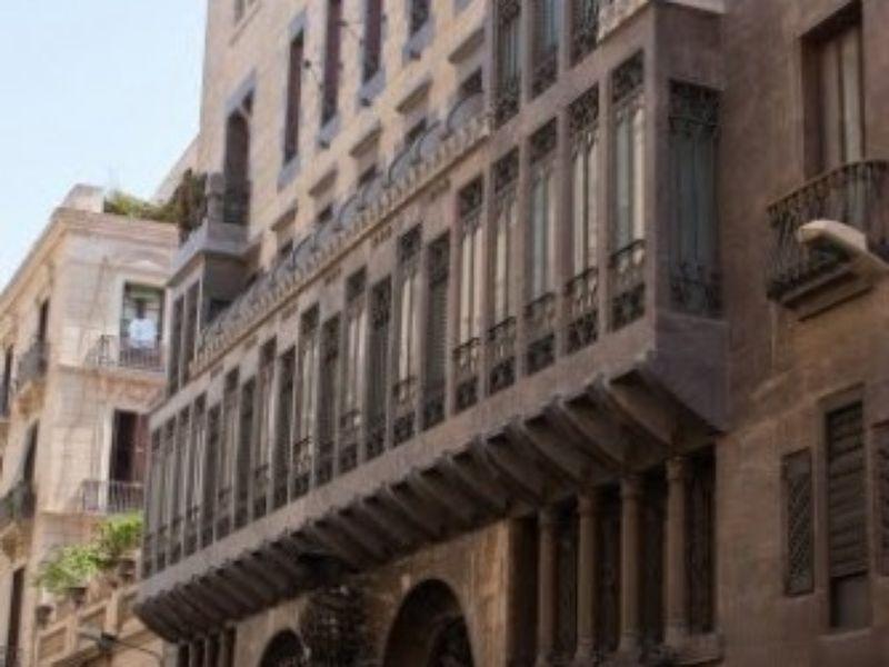 Район Раваль, зловещий и притягательный - экскурсия в Барселоне