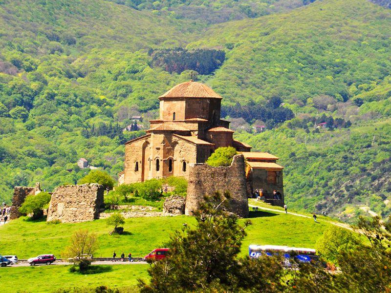 Пикник уозера Базалети и Военно-Грузинская дорога - экскурсия в Тбилиси