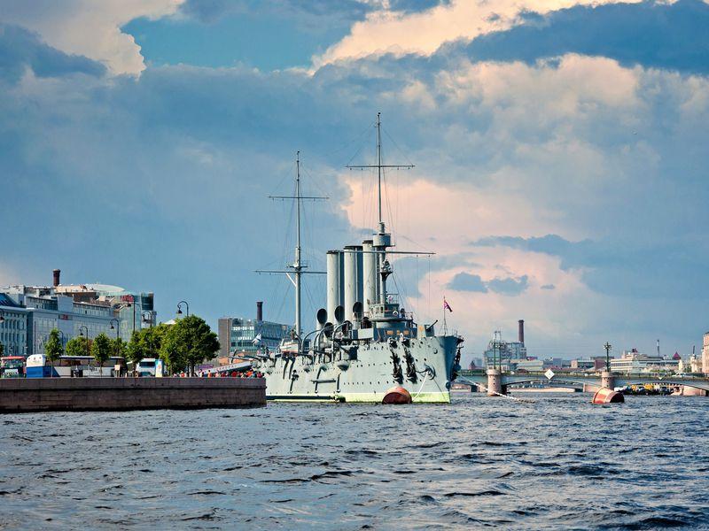 Автобусная обзорная по Петербургу + посещение крейсера Аврора - экскурсия в Санкт-Петербурге