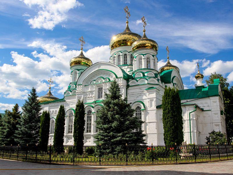Заповедный Свияжск, Раифский монастырь ипрогулка натеплоходе - экскурсия в Казани