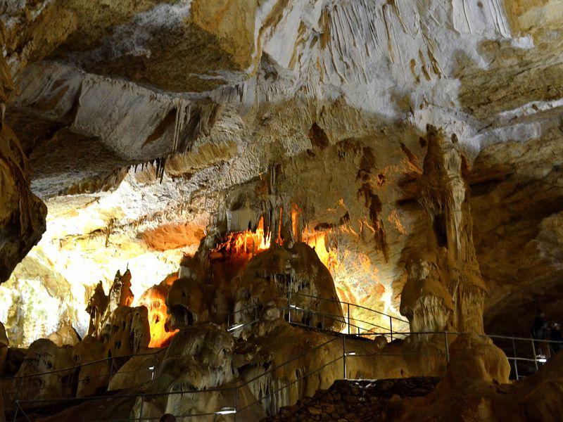 Ктаинственным пещерам Чатыр-Дага - экскурсия в Алуште