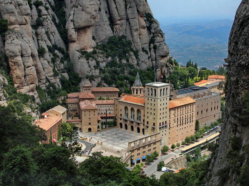Фантастическая гора Монтсеррат - экскурсия в Барселоне