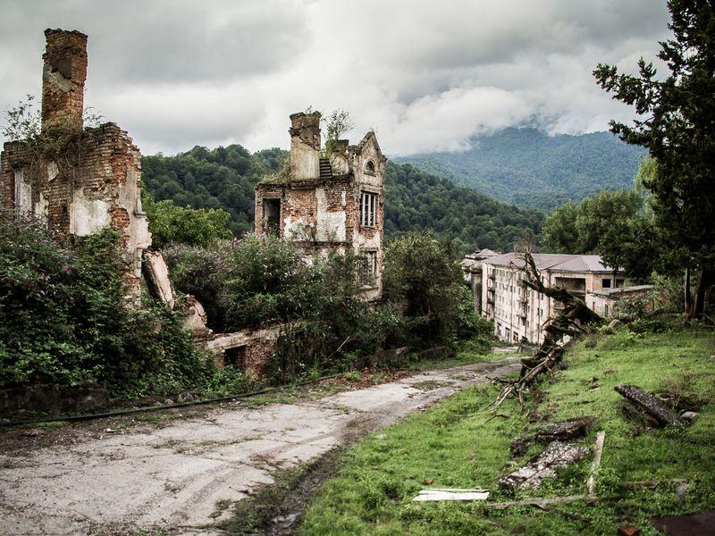 Город-призрак иприрода Абхазии - экскурсия в Гаграх