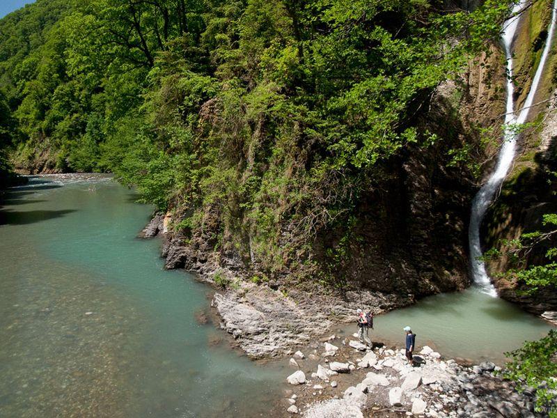 По руслу реки Агва к водопадам - экскурсия в Сочи