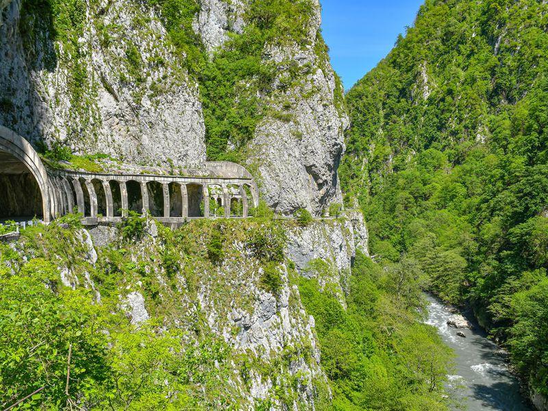 Атмосферный трекинг в долине реки Мзымта - экскурсия в Сочи