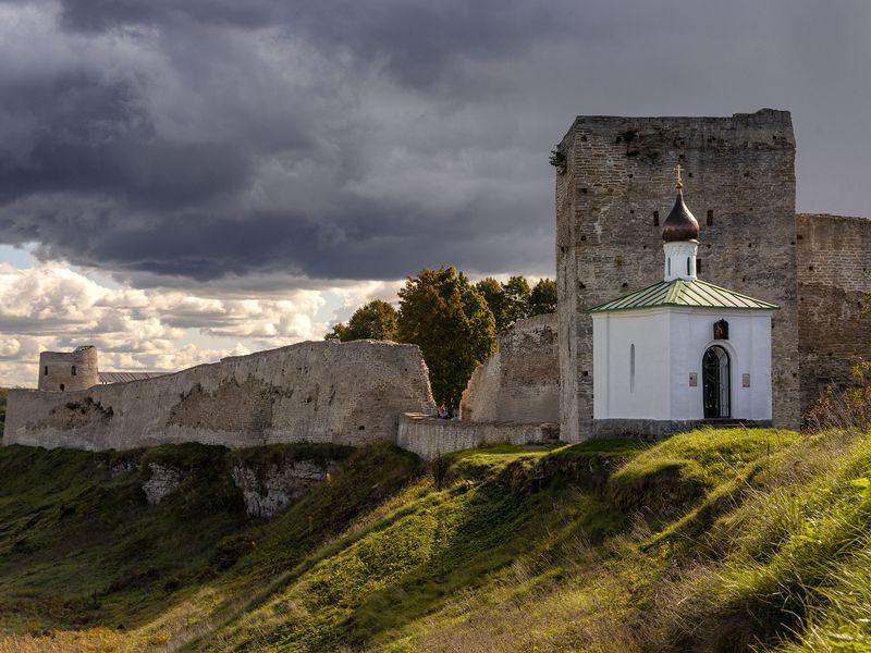 Печоры и Изборск за один день - экскурсия в Пскове