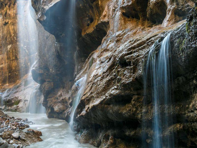 3 в 1: Чегемское ущелье, село Эльтюбю и водопад Абай-Су - экскурсия в Пятигорске