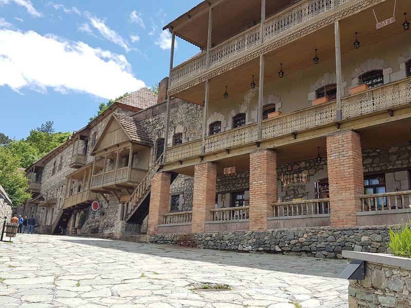 Озеро Севан, древние монастыри и этнические мастер-классы - экскурсия в Ереване