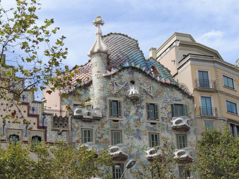 По тайным местам Барселоны с героями Дэна Брауна - экскурсия в Барселоне
