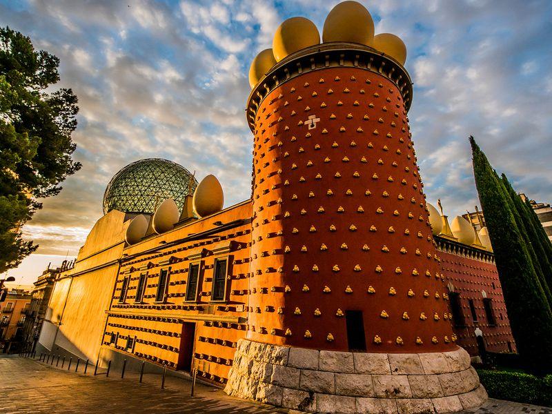 Секреты театра-музея Сальвадора Дали - экскурсия в Барселоне