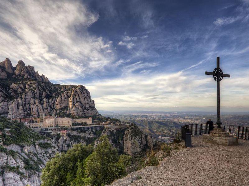 Групповой тур в сказочный Монтсеррат из Барселоны - экскурсия в Барселоне